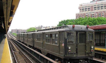 Поездка в прошлое на старом поезде нью-йоркской подземки