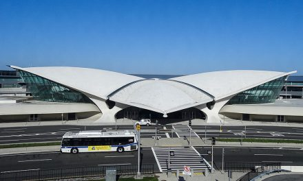 Терминал авиакомпании TWA, или будущее из 60-х
