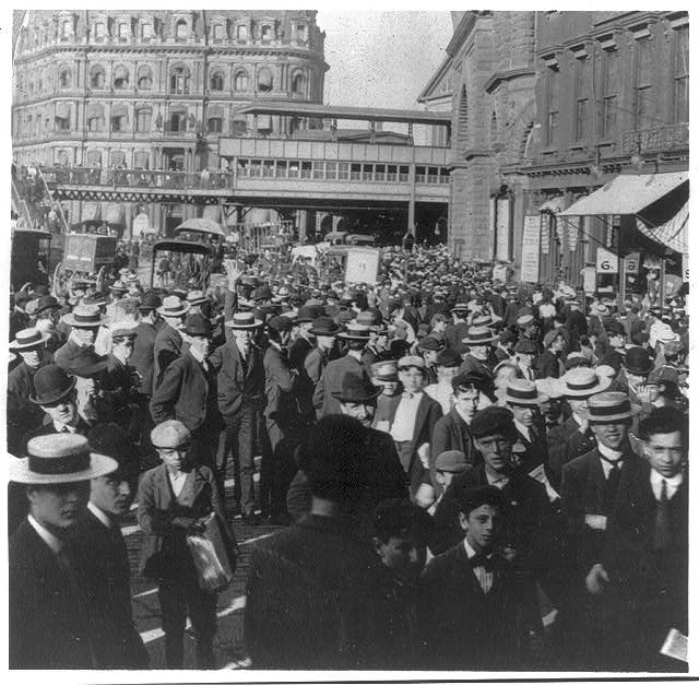 1904-Crowd