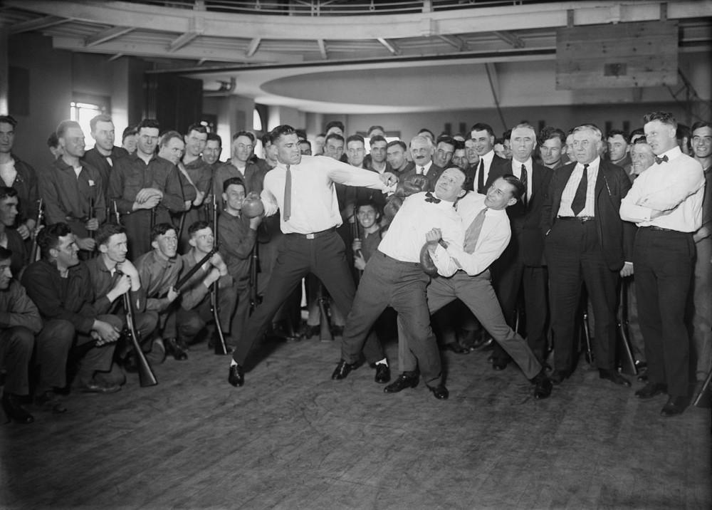 1280px-Jack_Dempsey,_Harry_Houdini_and_Benny_Leonard2