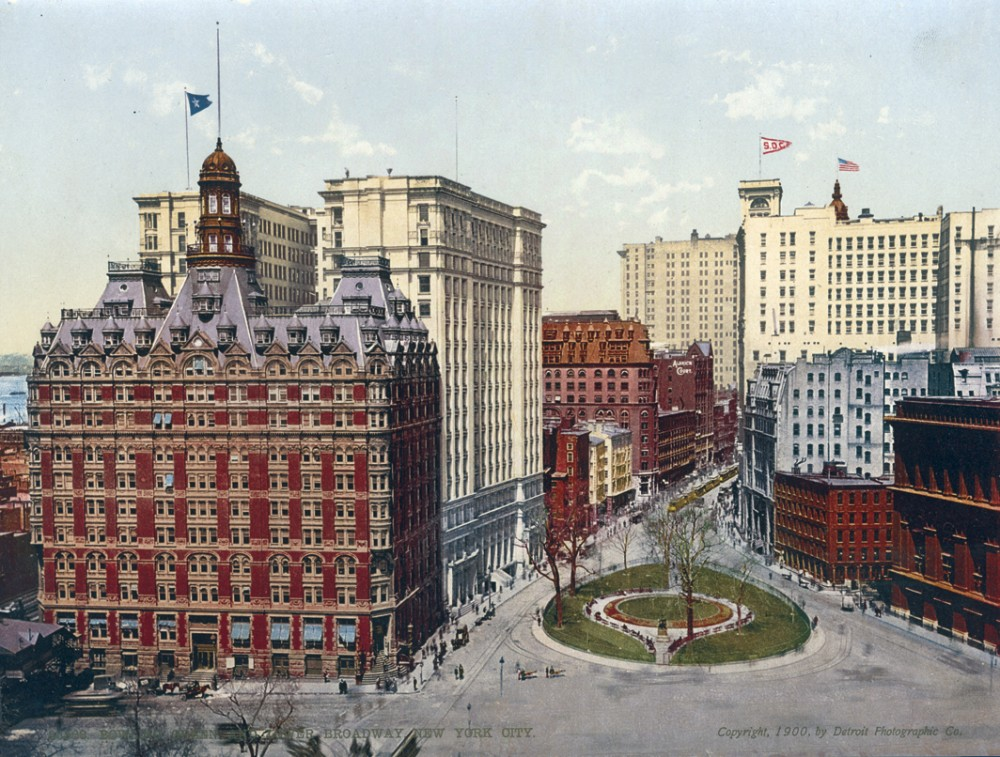 Bowling Green and Lower Broadway, New York City - Year 1900