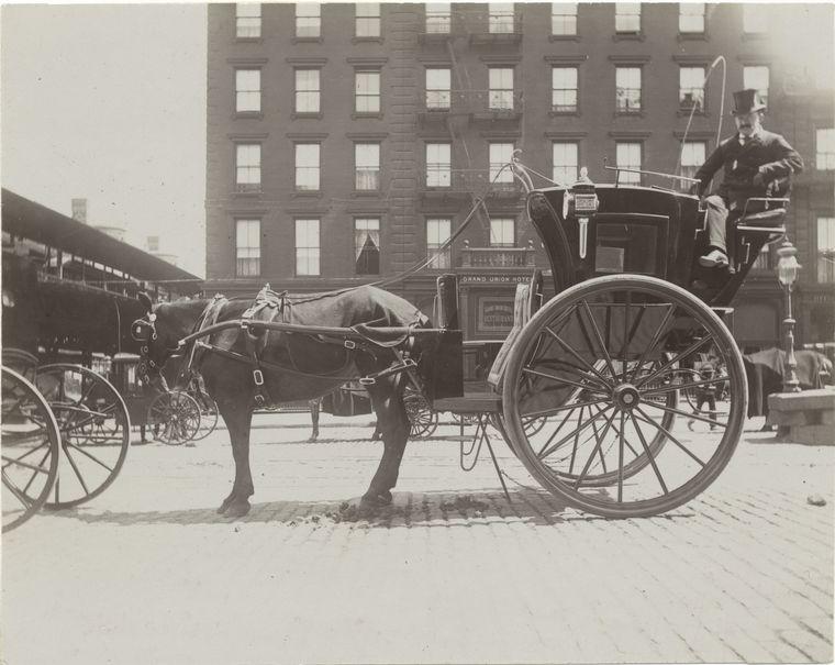 Hansom cab. (1896) 3