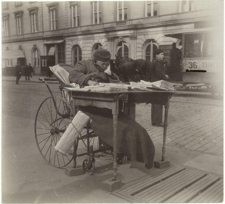 Newspaper woman. (1896)