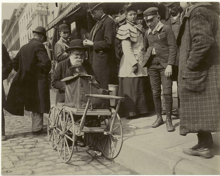 Peddler. (1896)