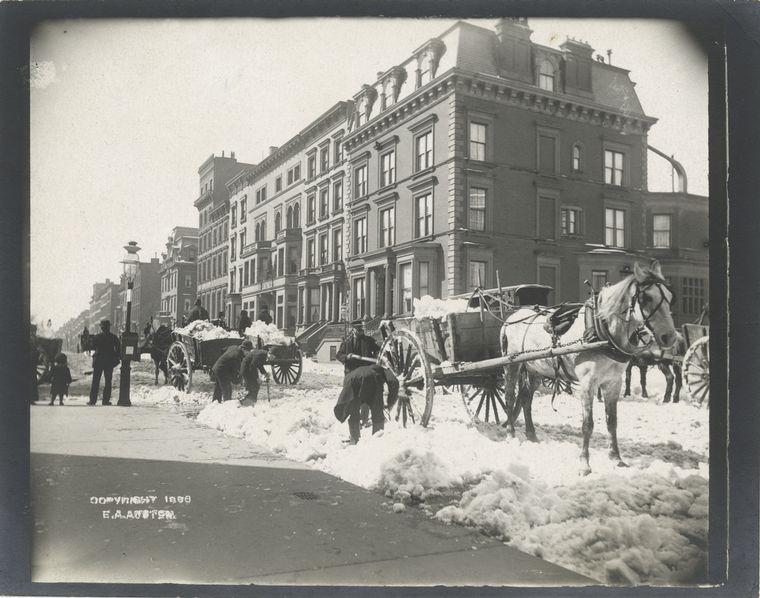 Snow carts. (1896)