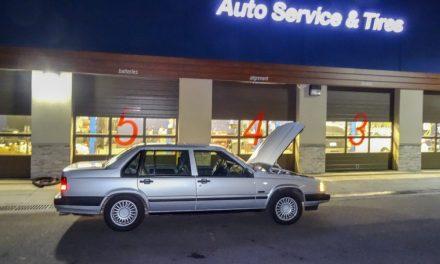 Купил машину, серый металлик, в ней поменял половину деталек