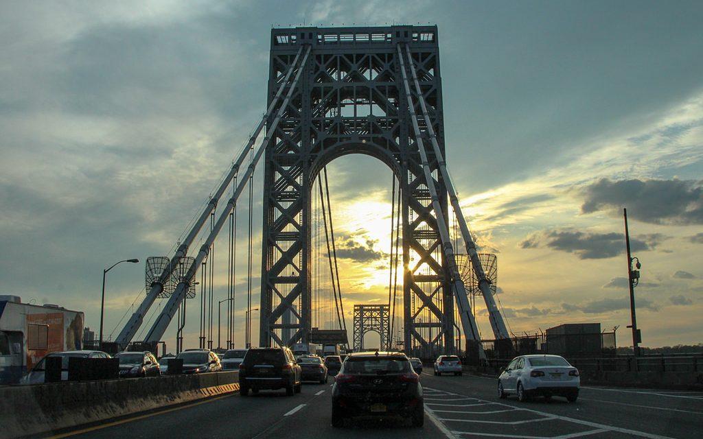 Когда мост в Нью-Йорке зарабатывает денег больше, чем крупный город в России