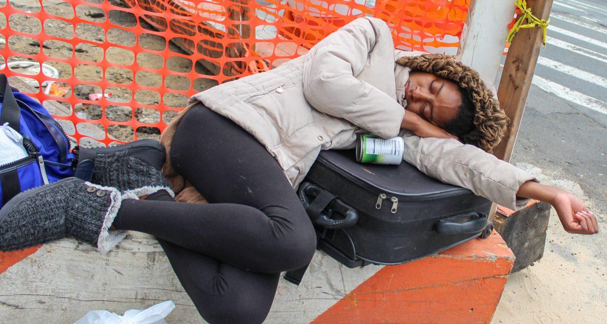 Как Нью-Йорк пытается решать проблему с бездомными