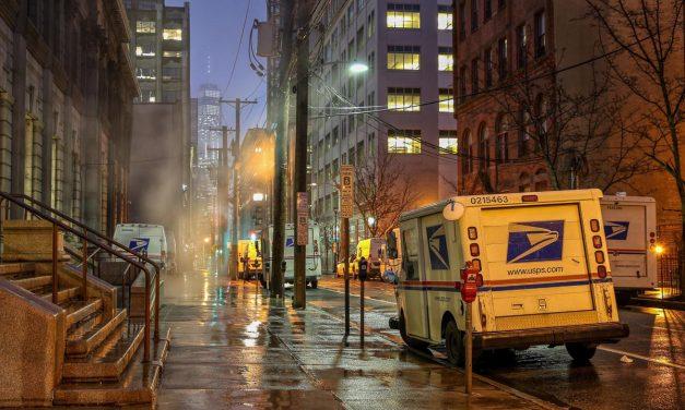 Ночь супербоула в Джерси-сити. Ну улице были только я, дождь и продавец джайро.