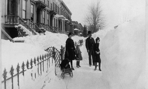 Ровно 130 лет назад на восточное побережье обрушился самый мощный снегопад за всю историю США, …