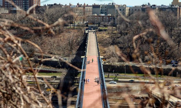 Немного суровой нью-йоркской урбанистики вам в ленту