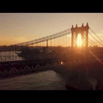 Еще одна завораживающая съемка Нью-Йорка с дрона