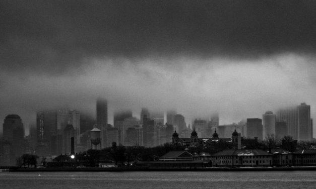 Пятьдесят оттенков воскресной нью-йоркской серости.