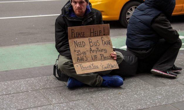 А вы знаете, что город Нью-Йорк готов оплатить билет в один конец любому, кто остался на улице …