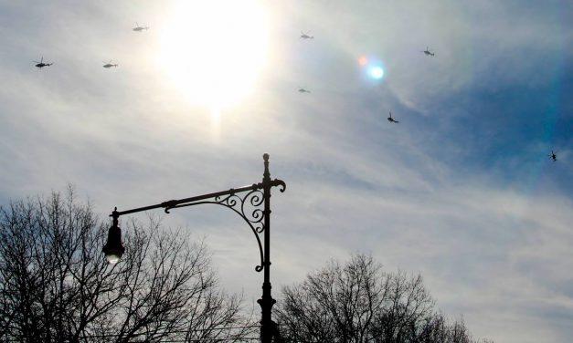 Вы когда-нибудь видели в небе стаю вертолетов