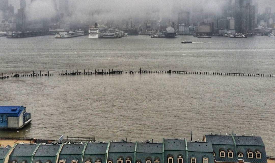 Сегодняшний утренний вид на мидтаун Манхэттена с высокого берега Нью-Джерси