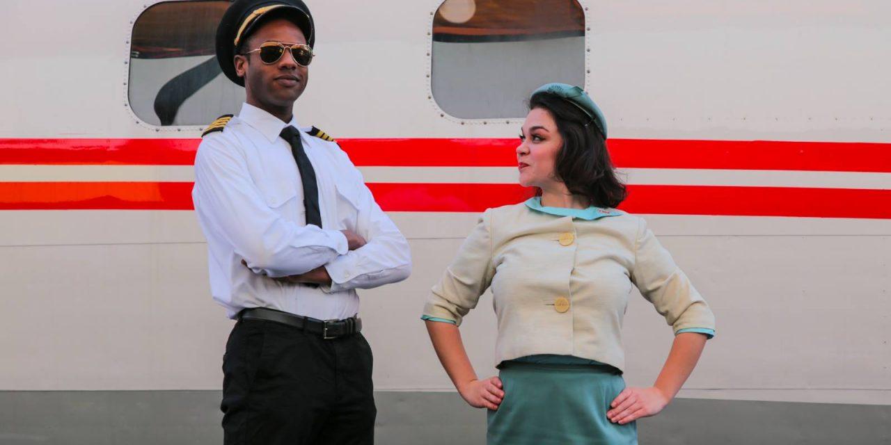 Что делает большой пассажирский авиалайнер в центре Нью-Йорка