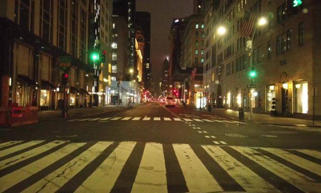 Нью-Йорк, Пятая авеню, 30 марта 2020 года.